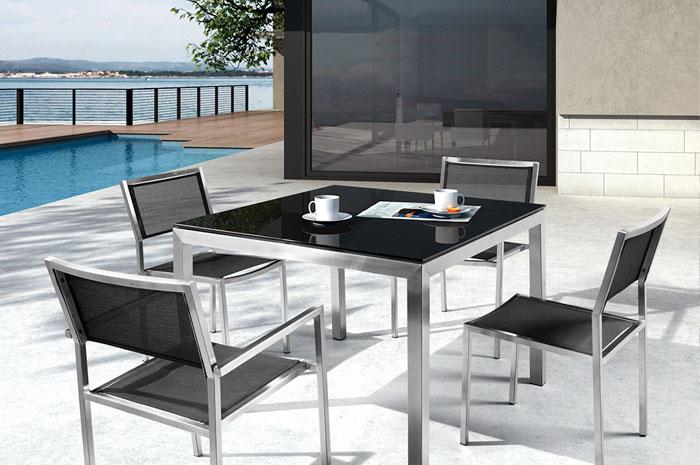 Comedor Arabelia. El comedor Arabella tiene una estructura de acero inoxidable, cubierta de vidrio templado 8mm de espesor. Muebles para jardín.