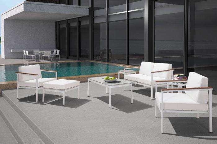 Sala Emilia. Con su diseño moderno, la sala Emilia lucirá en cualquier espacio exterior. Cuenta con una estructura de Aluminio & mesh.  Muebles para alberca.