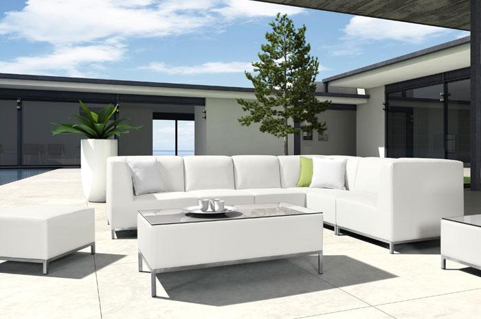 Sala Ivy. Una sala amplia y elegante. Tiene una estructura de acero inoxidable, aluminio & PU leather.  Muebles para jardín.