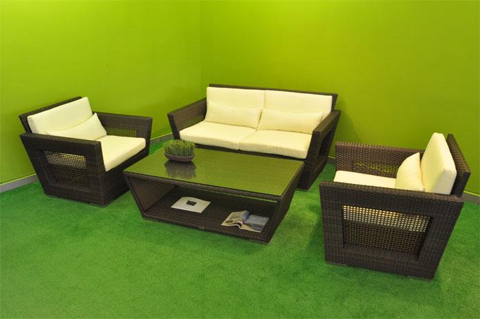 Sala Sienna Básica. Sala tejida a mano en PE Viro Ratán, con Estructura de Aluminio. Diseño moderno y único. En color chocolate y café mixto. Muebles para exterior.