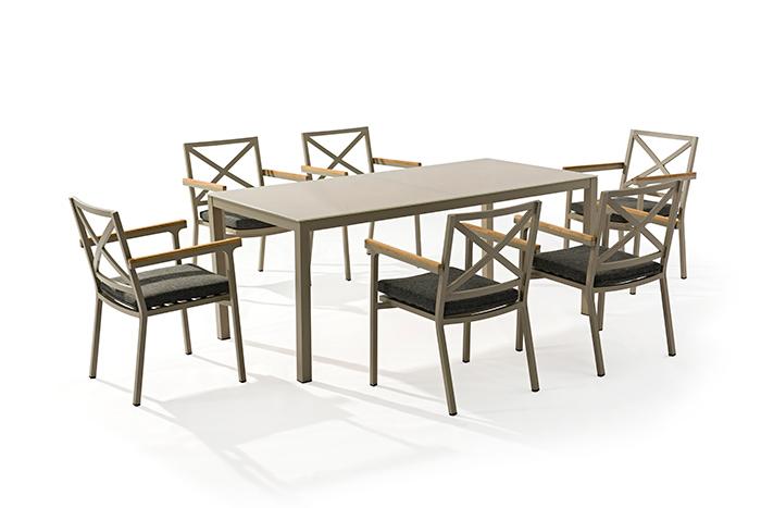 Comedor Zasha. El diseño único y moderno del toque de la silla del comedor. Zasha es ideal para que esté en tu espacio exterior.  Estructura de Aluminio, tejido en cuerda.